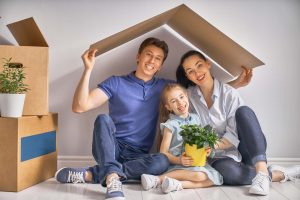 happy-family-clean-house